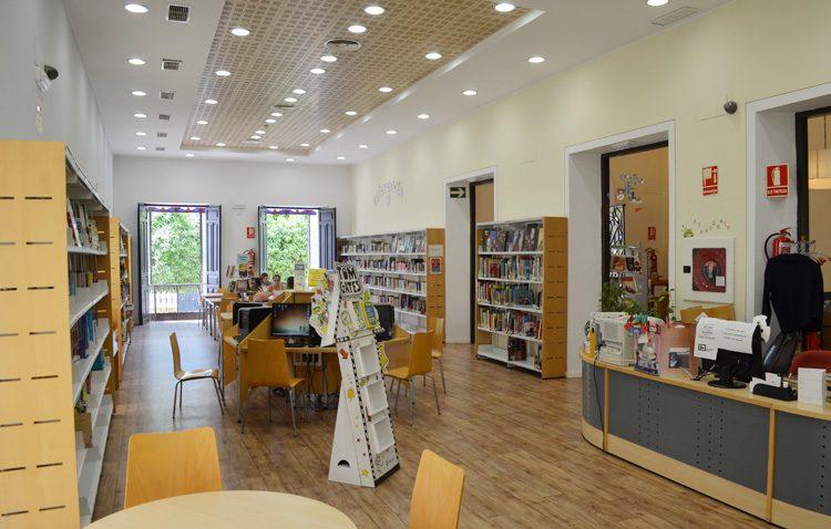 La biblioteca de Utrera reabre sus salas de lectura y estudio tras más de un año y medio