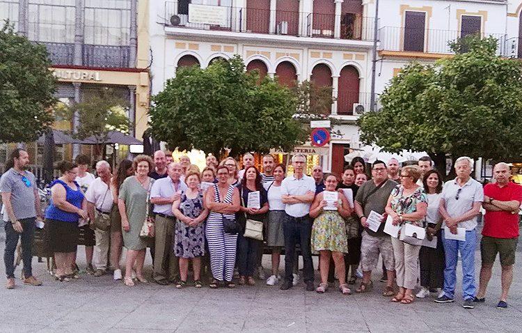 Juntos por Utrera desvela que los naranjos de la plaza del Altozano quedarán en «jardineras de un metro cúbico»