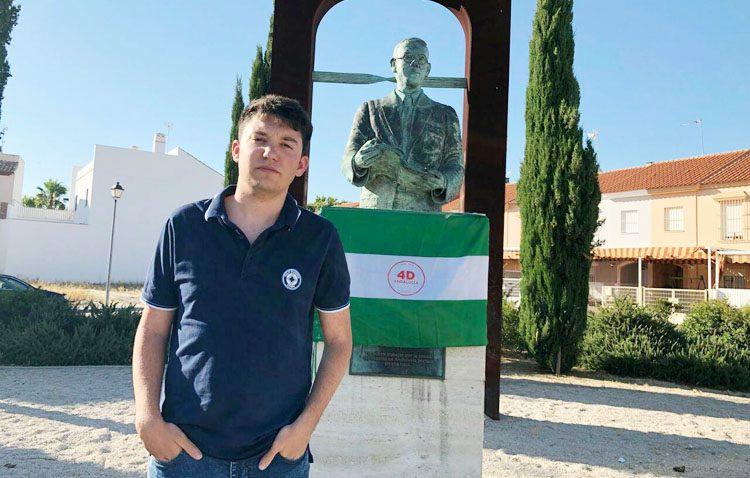 Podemos-Utrera rinde homenaje a Blas Infante en el aniversario de su nacimiento en el monumento de La Mulata
