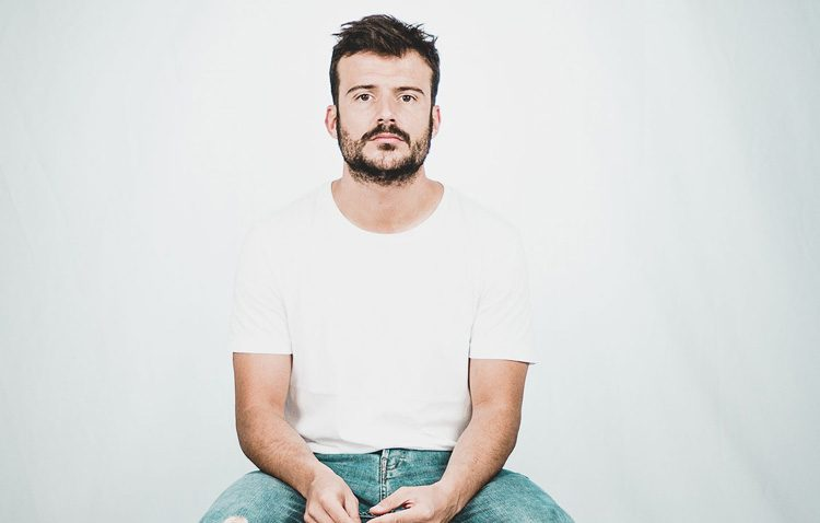 El ciclo cultural «Música en el patio» llega a su fin con un concierto de Diego López