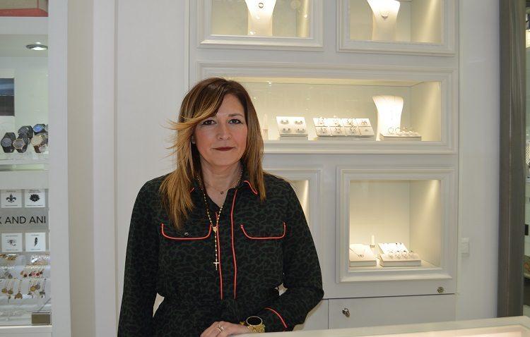 Isabel Aguilera García, empresaria dedicada al mundo de la venta de joyas desde muy joven