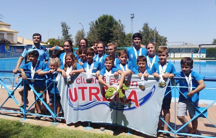 El Club Natación Utrera consigue una lluvia de medallas en el circuito de Diputación de Natación de Verano