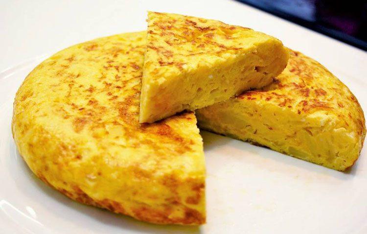 Tres de cada cinco españoles prefieren la tortilla de patatas con cebolla