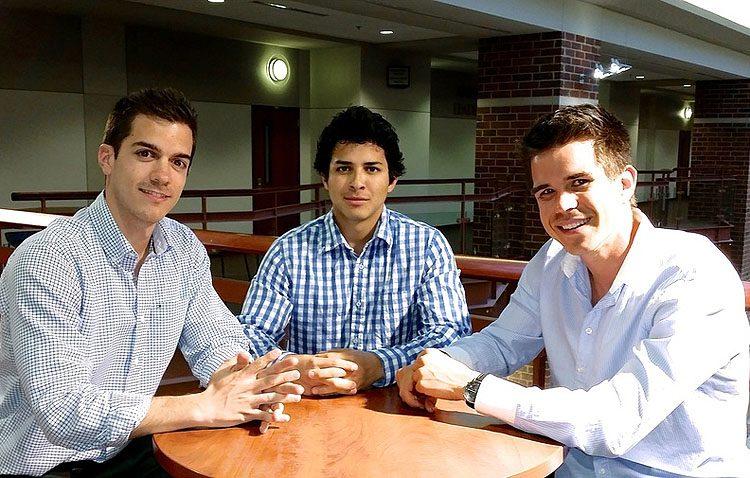 Un utrerano crea una original empresa en Miami para ayudar a los jóvenes que quieren estudiar en Estados Unidos