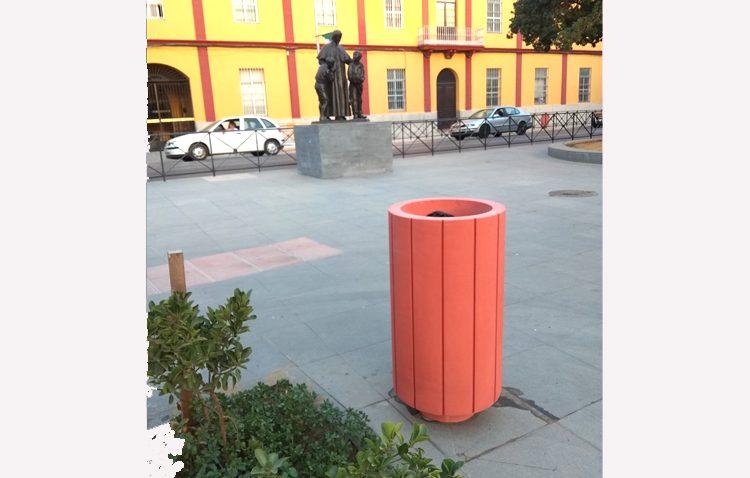 Más de 1.500 nuevas papeleras diseñadas por el ayuntamiento con una estética renovada y más duraderas