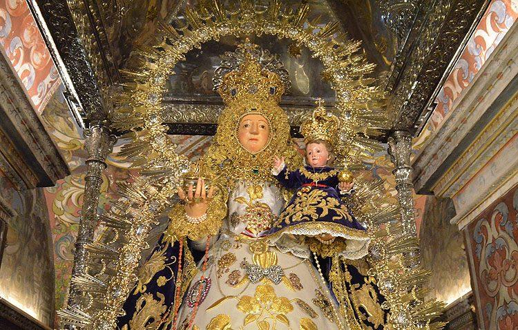 La hermandad de la patrona de Utrera alerta de una pedida de dinero fraudulenta «para restaurar las manos» de la Virgen de Consolación