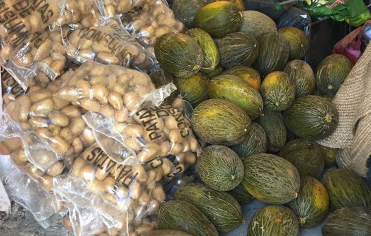 Denunciados dos utreranos por vender ilegalmente 400 kilos de patatas y 50 melones «no aptos para el consumo»