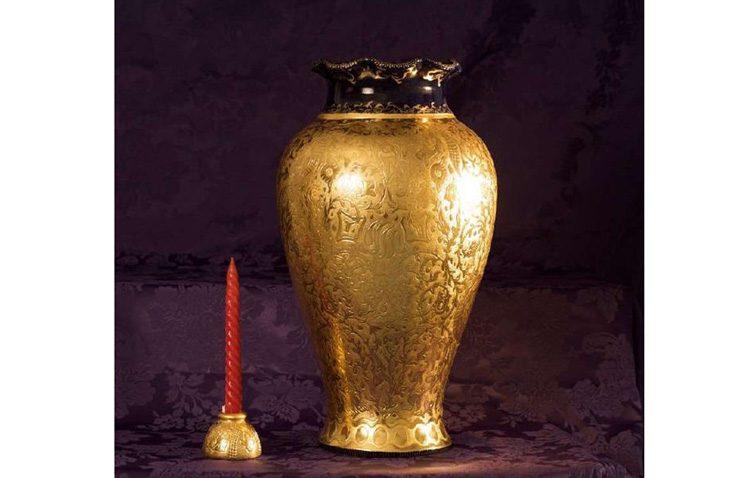 Un utrerano recupera una vasija valorada en 300.000 euros tras el engaño de un prestigioso joyero de Marbella