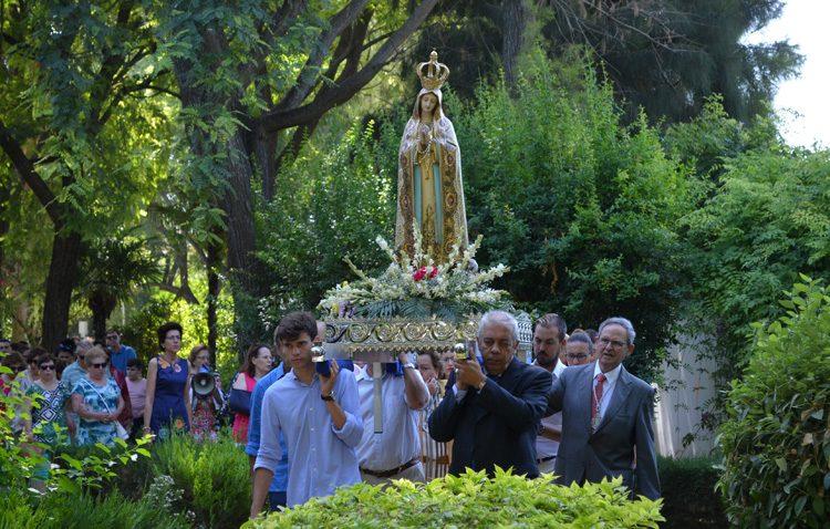 La Virgen de Fátima caminó hasta San José en la fiesta del Rosario (IMÁGENES)