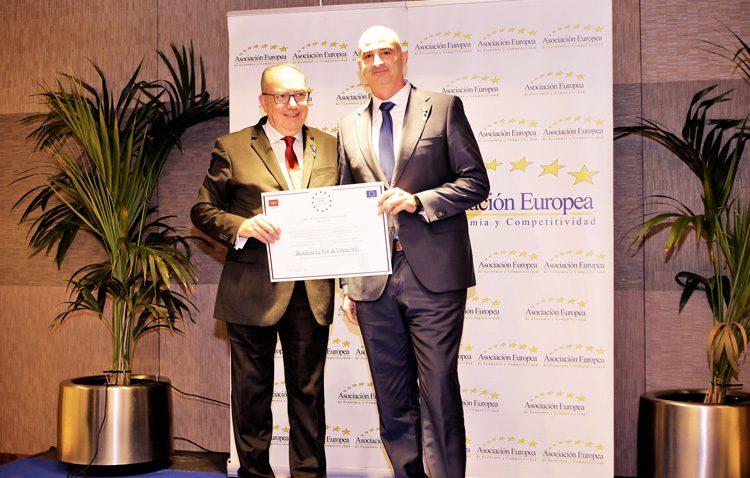 Medalla de oro al mérito en el trabajo para «La Flor de Utrera»