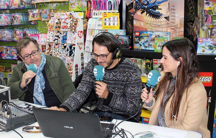 La campaña solidaria de COPE Utrera lleva también la magia de la radio a Fantastiland (IMÁGENES Y AUDIO)