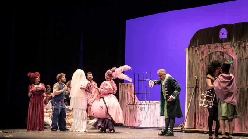 «El sueño de Plauto» regresa al teatro de Utrera de la mano de Guate Teatro