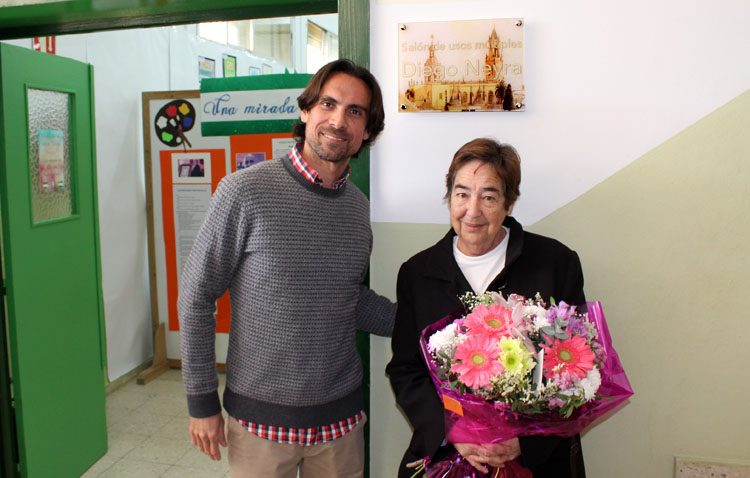 Un homenaje póstumo a Diego Neyra en el colegio de Utrera donde desarrolló su carrera profesional (IMÁGENES)