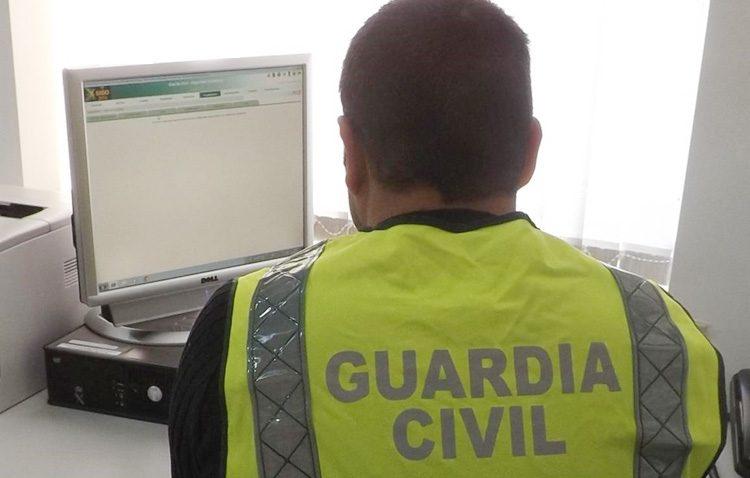 Desarticulado un grupo criminal tras estafar a un vecino de Utrera a través de Internet haciéndose pasar por su banco