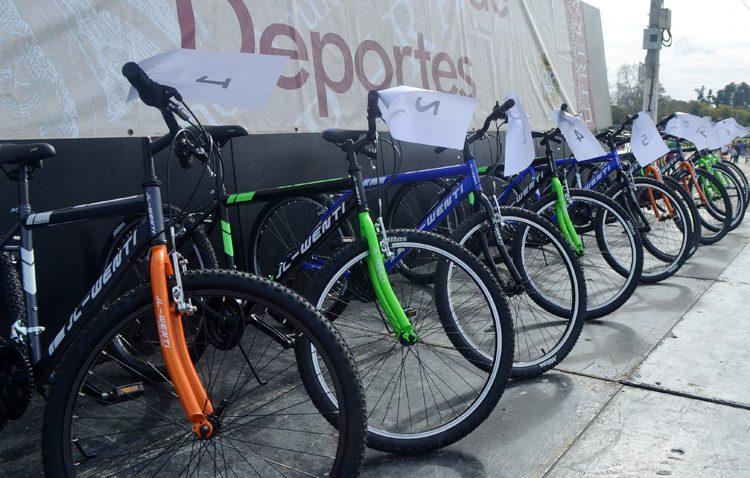 El paseo en bicicleta del Día de Andalucía da a conocer su recorrido por Utrera