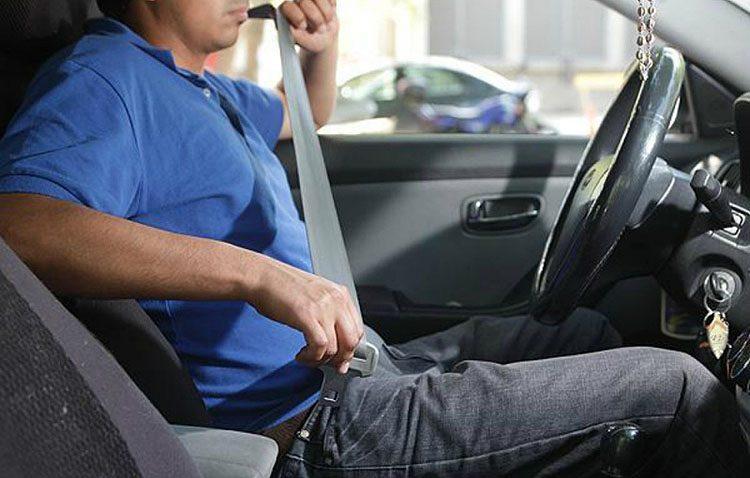 Utrera se suma a la campaña de la DGT para vigilar el uso del cinturón y las sillas infantiles en los coches