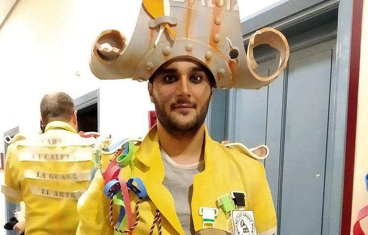 Un utrerano se alza con la medalla de bronce en el concurso de agrupaciones del carnaval en el Gran Teatro Falla de Cádiz (VÍDEO)