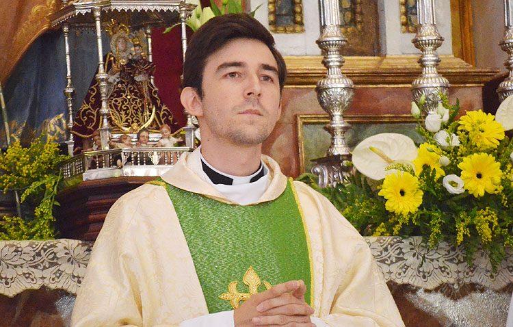 El sacerdote Plácido Díaz, pregonero de la Quinta Angustia