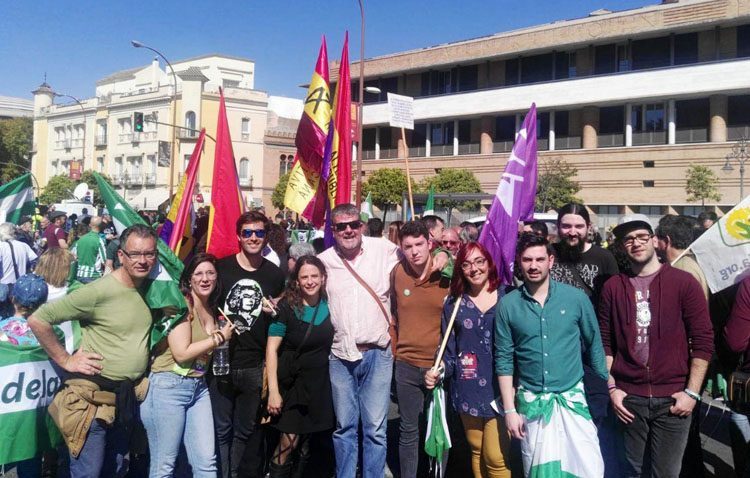 La confluencia utrerana de Podemos, PCA y Equo participan en la manifestación del Día de Andalucía celebrada en Sevilla