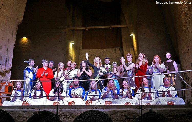 Casi un millar de espectadores en las representaciones de la compañía de teatro «Thalía Helena» del instituto Ruiz Gijón