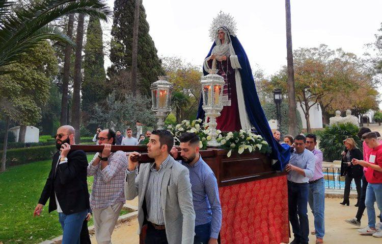 Regreso de la Virgen de la Amargura al santuario de Consolación tras su visita al geriátrico de La Mulata