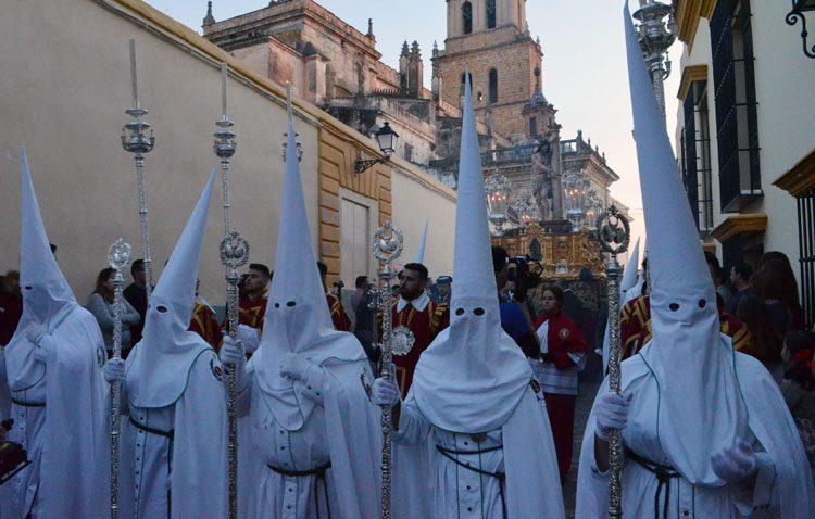 El Miércoles Santo llega en Utrera con la estación de penitencia de los Aceituneros