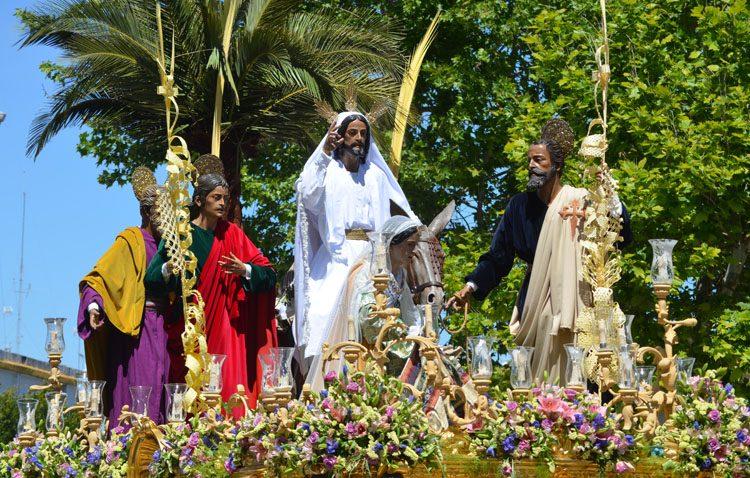 La hermandad de la Trinidad propone una oración a la hora de salida de la Borriquita