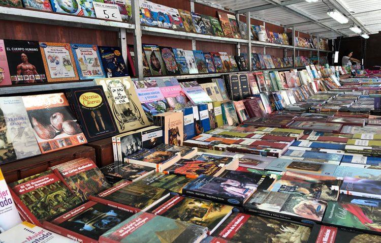 La Feria del Libro de Ocasión vuelve un año más a la plaza del Altozano