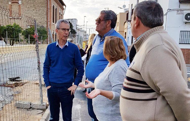 «Juntos por Utrera» denuncia «la falta de atención» de Villalobos a los vecinos en su visita a la barriada del Carmen