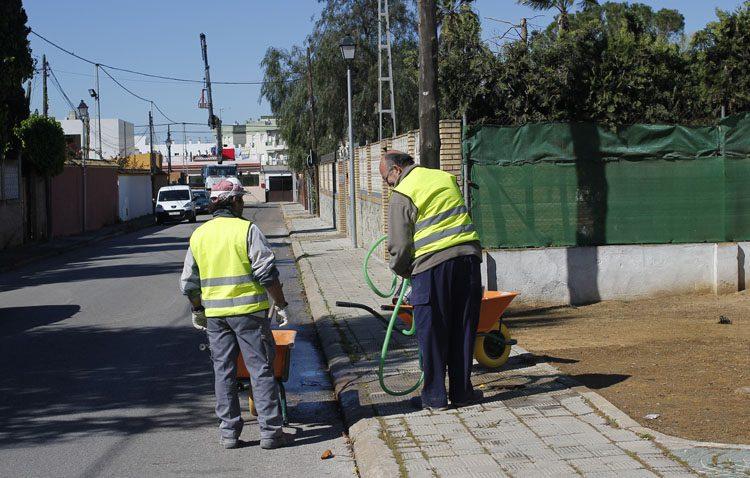 El nuevo plan de empleo de la Junta comienza su desarrollo en Utrera con la contratación de los primeros 70 desempleados