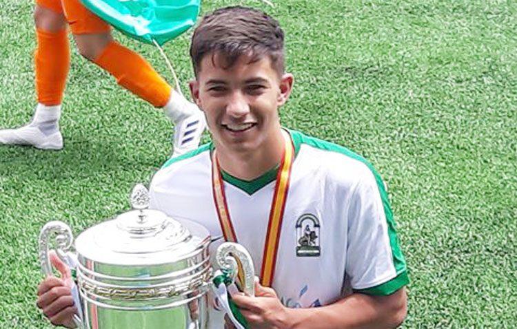 El futbolista utrerano Diego Jiménez, campeón de España con la andaluza sub-16