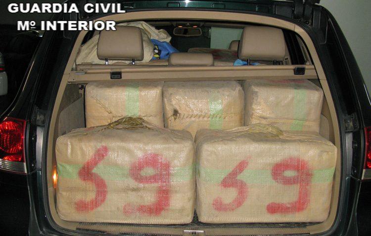 Detenido en Utrera con 450 kilos de hachís tras una espectacular persecución por la A-394