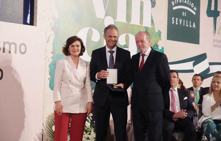 El utrerano Joaquín Caparrós, medalla de oro de la provincia de Sevilla