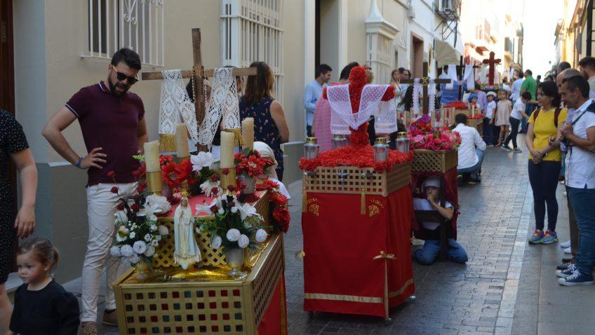 La hermandad de los Estudiantes propone una original fórmula para celebrar su tradicional certamen de cruces de mayo (VÍDEO)