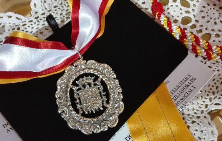 Un reconocimiento municipal a la archicofradía de María Auxiliadora de Utrera «por su labor religiosa y asistencial»