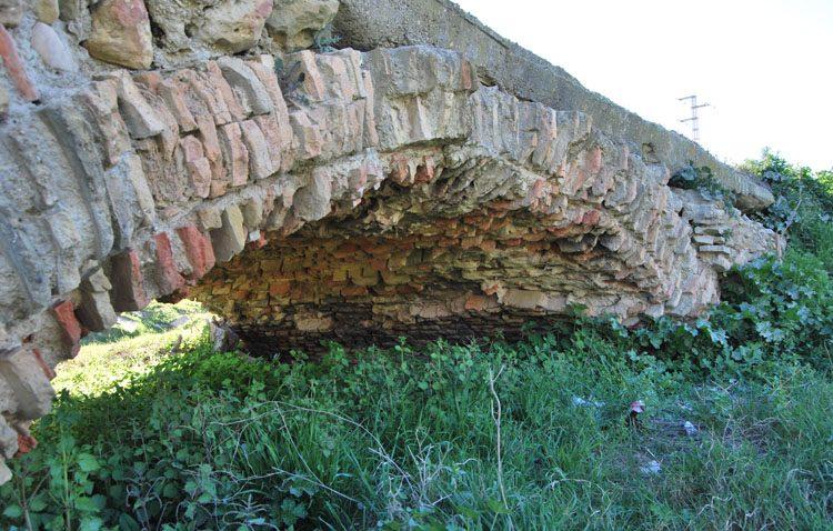La historia del «Puente de los Acarreadores», patrimonio histórico del siglo XV en un avanzado estado de deterioro
