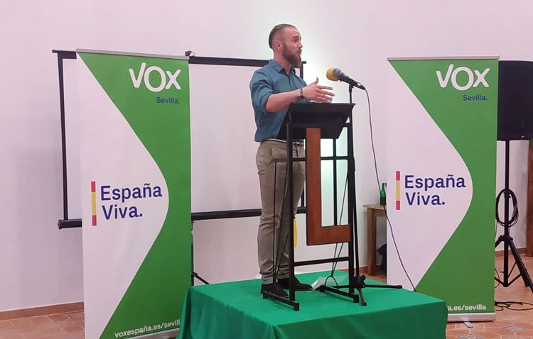 ELECCIONES 2019: Vox acusa al PSOE de Utrera de «seguir el manual de ataques de la izquierda española»