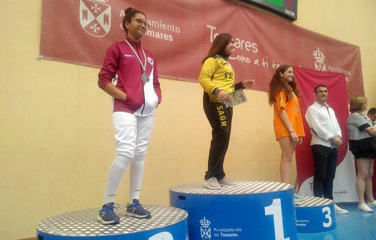 El Club de Esgrima de Utrera consigue la plata en el Campeonato de Andalucía