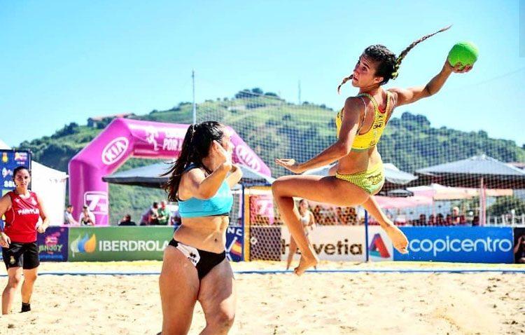 La utrerana Alba Toro, convocada con la selección española absoluta de balonmano playa