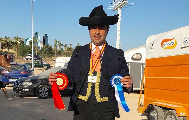 Triunfo del jinete utrerano Carlos Martín en la Copa Intercomunidades de Alta Escuela