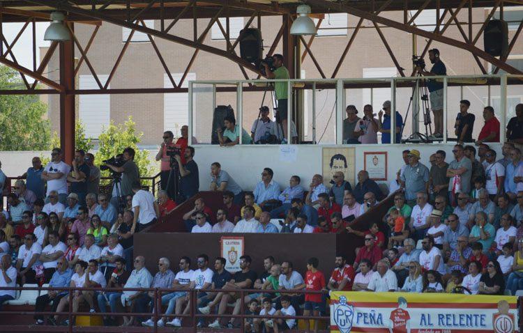El Club Deportivo Utrera pone en marcha el «mediodía del club» para llenar las gradas del «San Juan Bosco»
