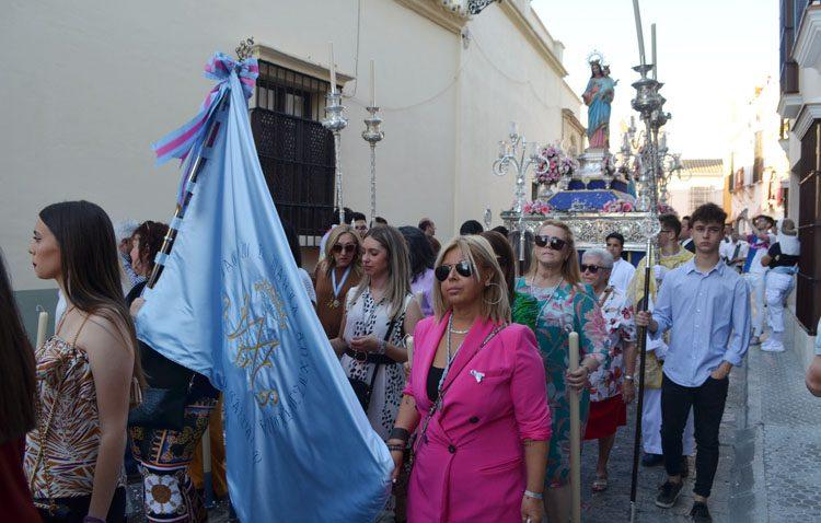 Las Salesianas celebran su procesión de María Auxiliadora (IMÁGENES)