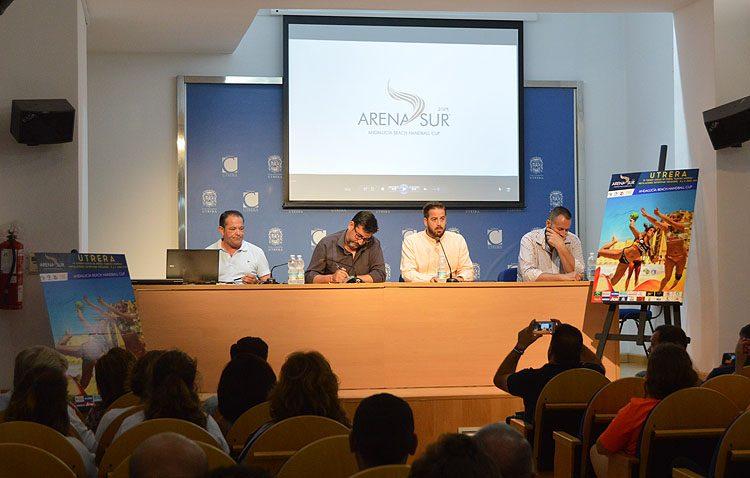 El campeonato andaluz de balonmano playa inicia su andadura en Utrera