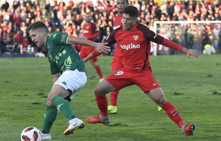 El utrerano Pepe Mena viaja a Estados Unidos con el Sevilla FC