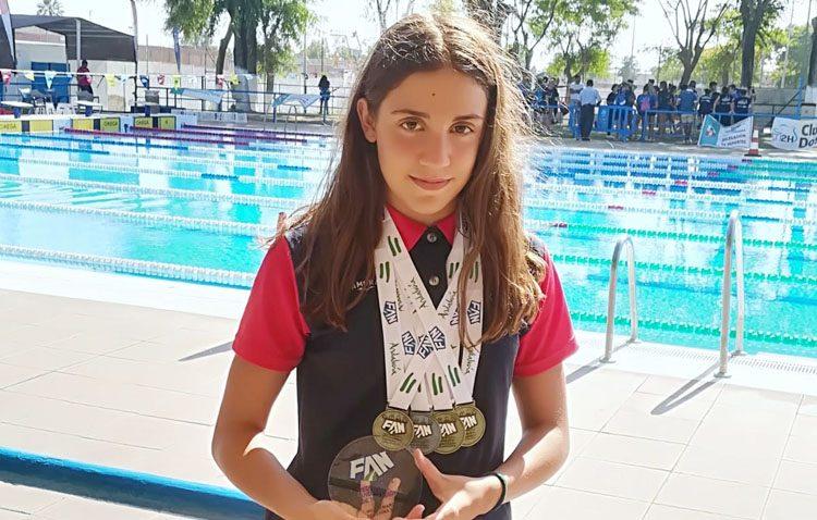 La nadadora utrerana Pilar Bohórquez, tricampeona de Andalucía
