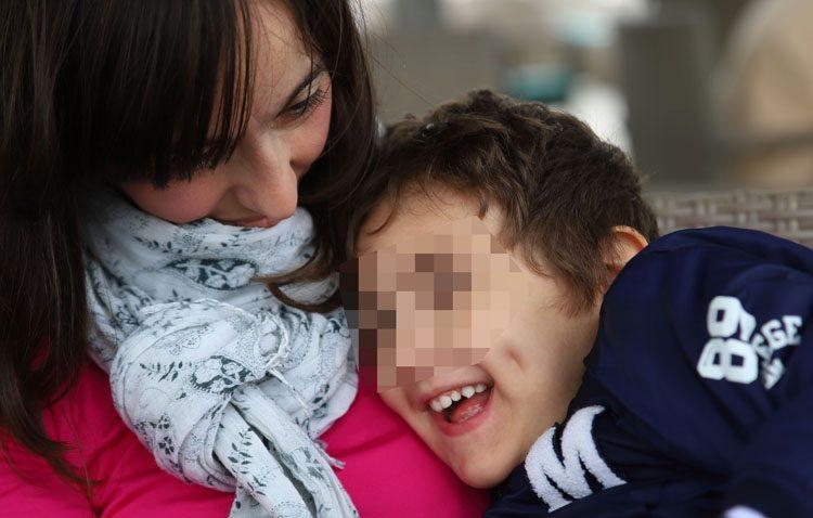 Aluvión solidario con el pequeño Álvaro, un niño utrerano con una enfermedad única en España (AUDIO ENTREVISTA)