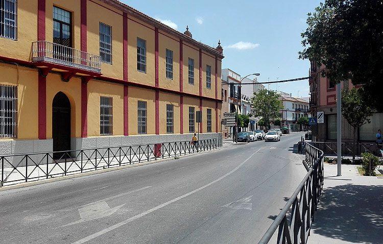 Corte de tráfico en la avenida San Juan Bosco durante la mañana de este miércoles