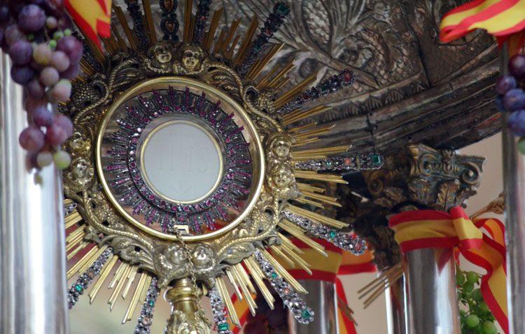 Todo listo en la parroquia de Santiago para vivir un inédito «Corpus Chico»