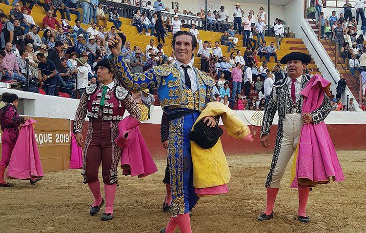 El novillero utrerano Curro Durán corta otra oreja en su gira por México