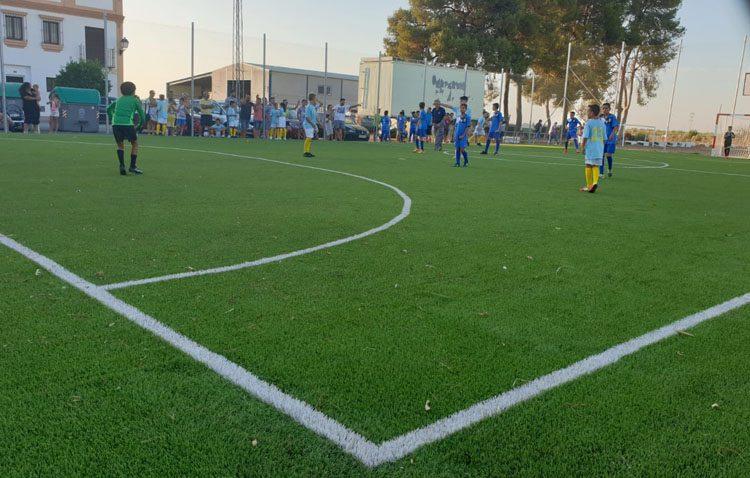 Guadalema de los Quintero estrena su nuevo campo de fútbol